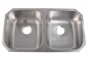 Stainless Steel Kitchen Sink 206 - Dimensions: L 32-1/4 in. x W 18-1/2 in. x D 9 in.