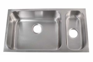 Stainless Steel Kitchen Sink 830 L - Left basin dimensions: L 32 in. x W 18 in. x D 8 / 5-1/4 in.
