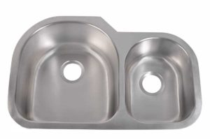 Stainless Steel Kitchen Sink 915 L - Left basin dimensions: L 31-1/2 in. x W 20 in. x D 9 / 8 in. and Right basin dimensions: L 31-1/2 in. x W 20 in. x D 8 / 9 in.